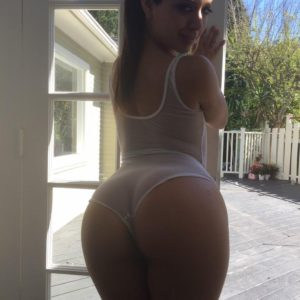 Celebrity pornstar Jynx Maze showing off her ass