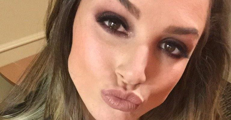 sexy tori black selfie making a duck face
