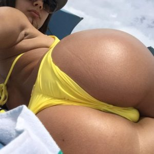 Babe Jynx Maze in yellow bikini