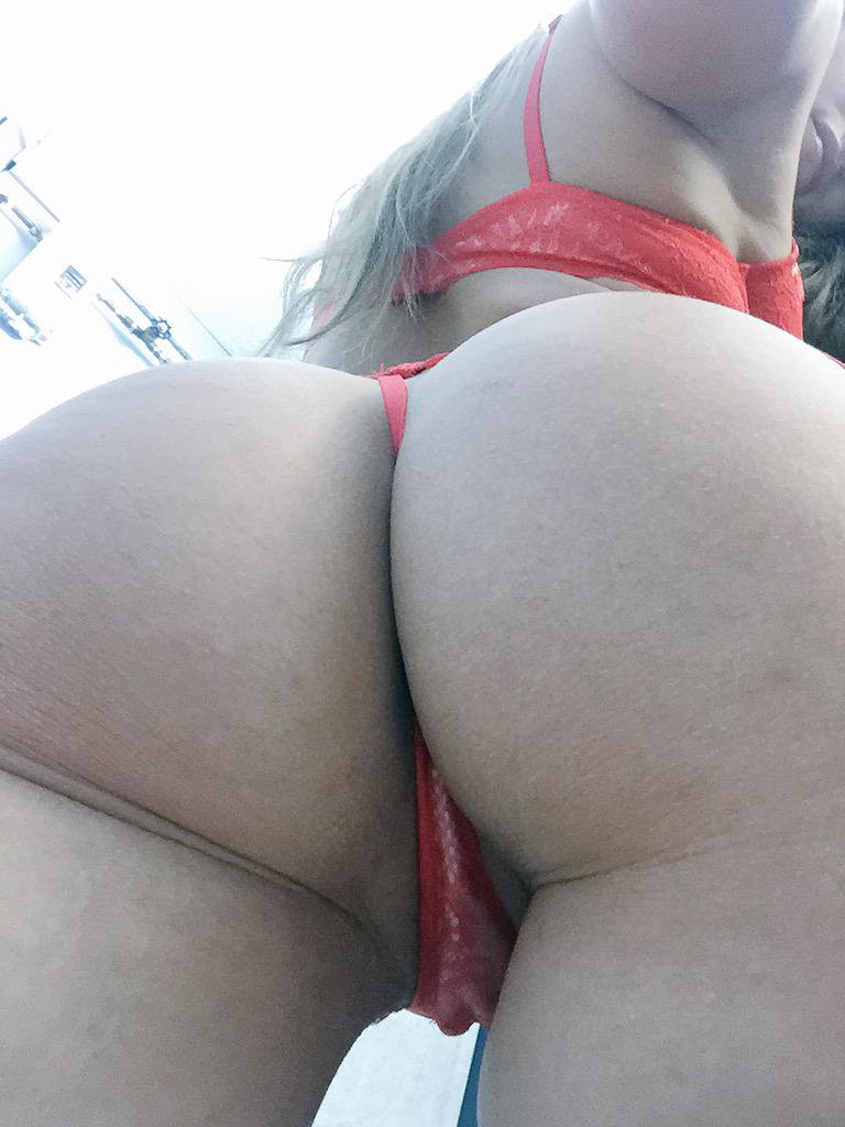 Celeb tori black showing off ass in red bikini