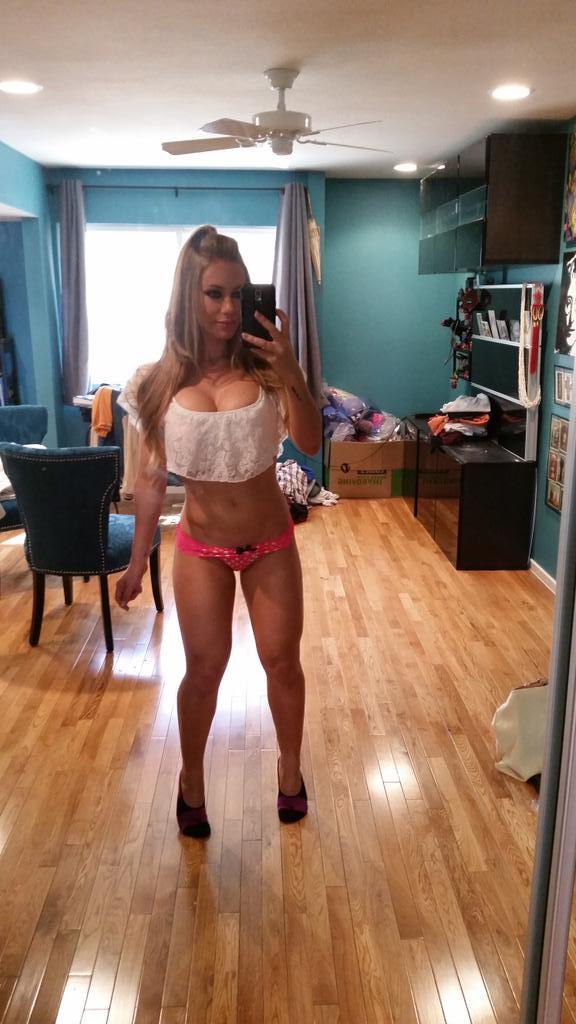 Nicole aniston,