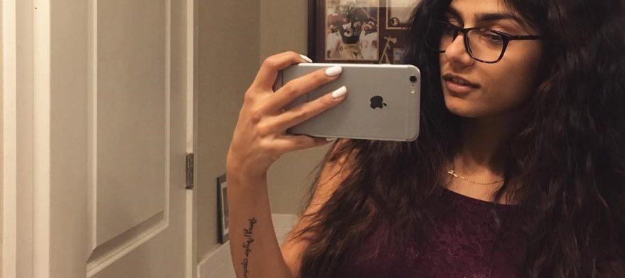 Mia Khalifa selfie