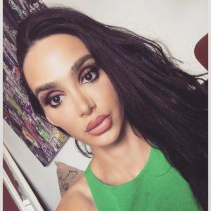 selfie of middle eastern beauty amy anderssen