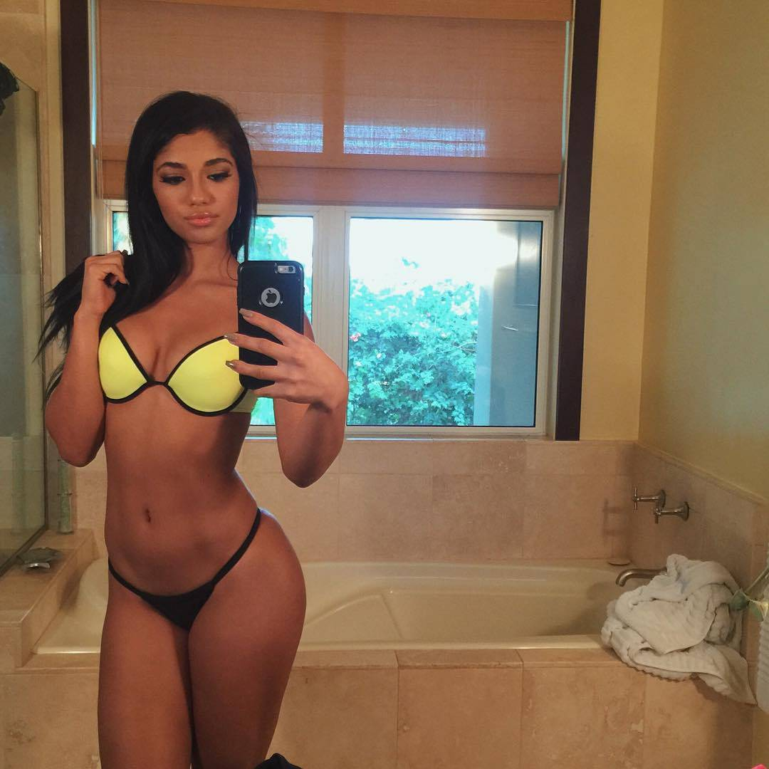 hot girl yoventura in bikini taking a mirror selfie