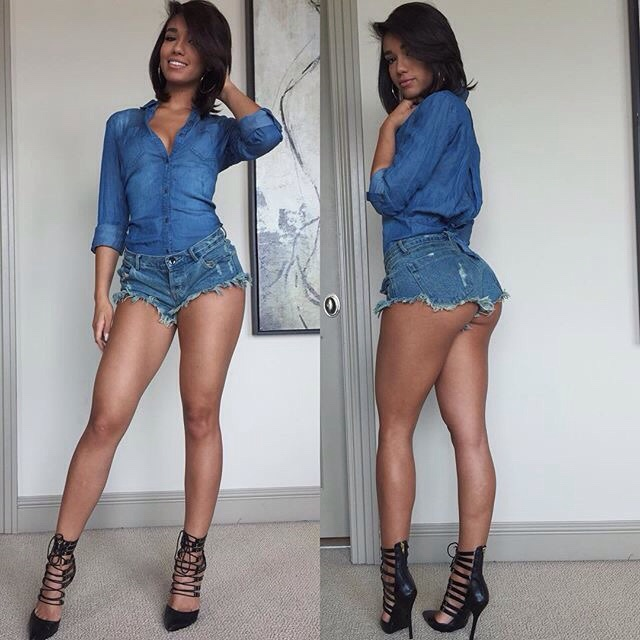 damn sexy celebrity yovanna ventura in little jean shorts and heels