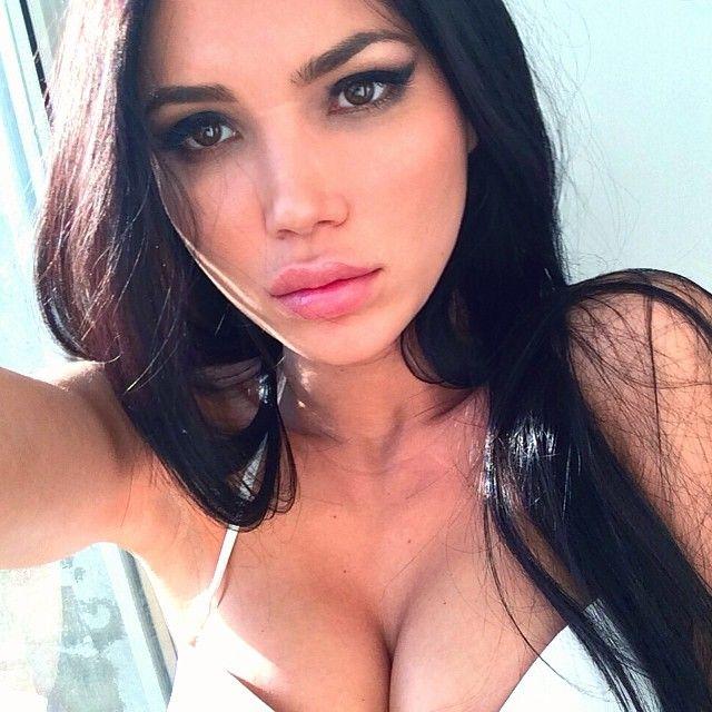 instagram chick sveta bilyalova selfie showing her cleavage