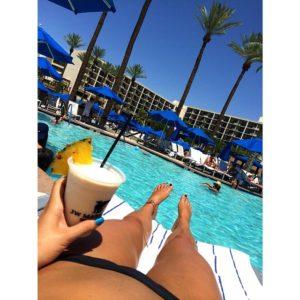 Jessica Hull pool selfie