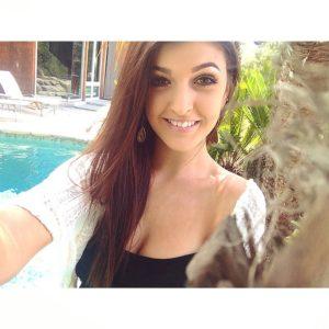 Jessica Hull pretty