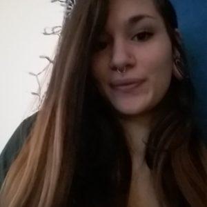 Luna pretty selfie