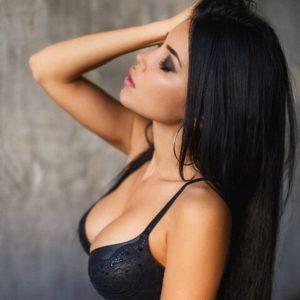 modeling photo of svetlana bilyalova in black bra