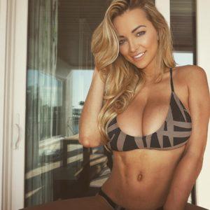 american beauty lindsey pelas in bikini taking a naughty selfie