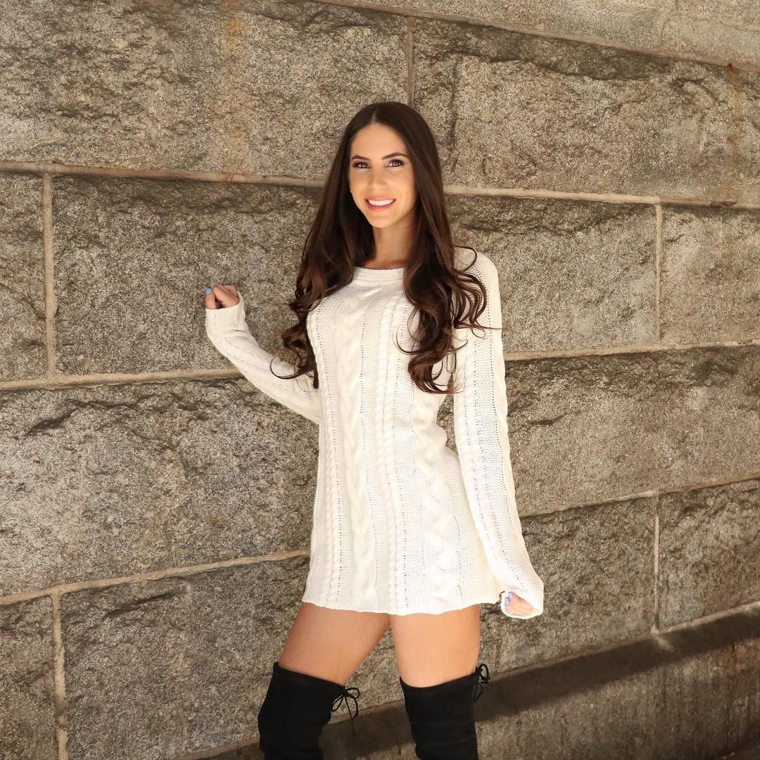 gorgeous fitness model jen selter in thigh highs