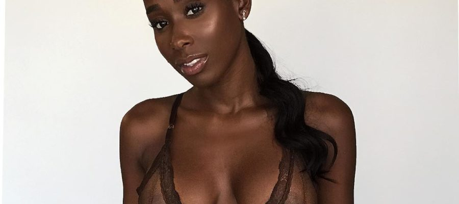 Bria Myles sexy body